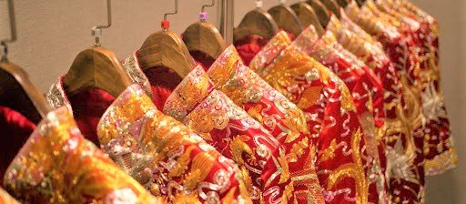 "To Have and To Embroider: The ""Long Feng Gua"" Wedding Tradition"